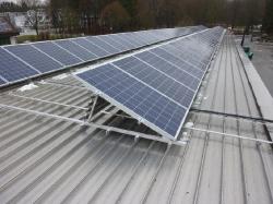 30 kWp auf Aluminium-Stehfalzdach