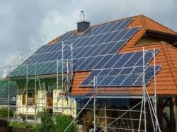 11 kWp auf Einfamilienhaus mit Harzer Pfannendach und Metalldachplatten